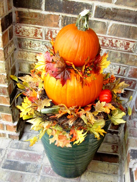 Home star staging fall decorating idea pumpkin topiaries home star staging - Pumpkin decorating ideas autumnal decor ...